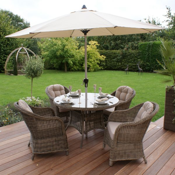 Outdoor Winchester 4 Seat Round Dining Set with Round Chairs