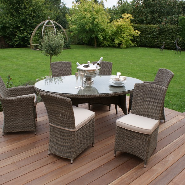 Winchester Oval Table with 2 Carver and 4 Armless Chairs